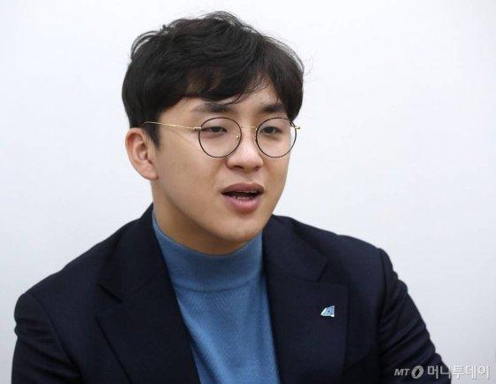 8일 오후 국회에서 더불어민주당 2호 인재 원종건 인터뷰 / 사진=홍봉진기자 honggga@