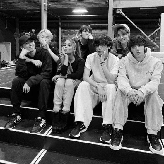 그룹 방탄소년단을 만난 팝가수 아리아나 그란데/사진=아리아나 그란데 인스타그램