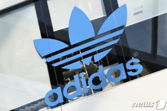 독일 스포츠웨어업체 아디다스 <자료사진> © 로이터=뉴스1