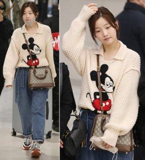 박소담 귀국 패션, 260만원대 '미키' 니트 입었다