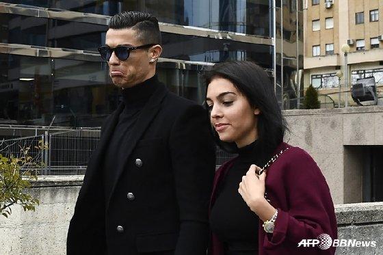 크리스티아누 호날두(왼쪽)와 조지나 로드리게스. /사진=AFPBBNews=뉴스1