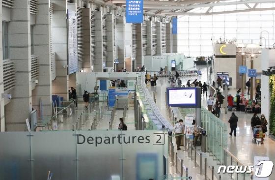 [사진] 여행객 급감으로 직격탄 맞은 인천공항