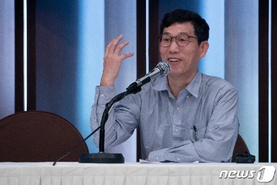 [사진] 진중권 전 교수 규제개혁당 창당발기인대회 특강