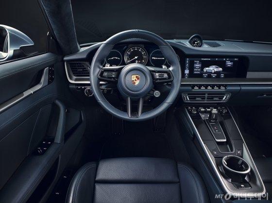 신형 911 내부. /사진제공=포르쉐코리아