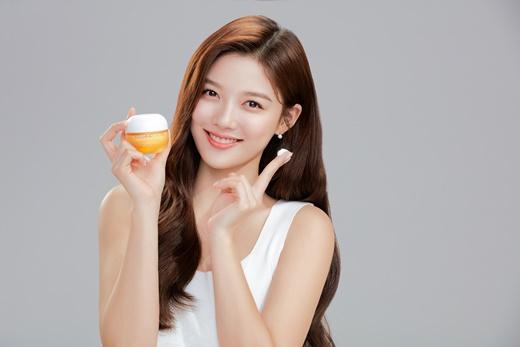 [신상품라운지]라네즈, 고보습 비타민 크림 '래디언-C 크림' 출시