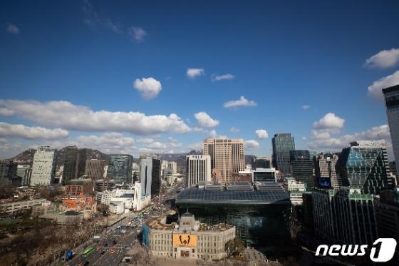 [사진] 파랗게 펼쳐진 서울 하늘