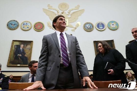 [사진] 하원 군사위 청문회 출석한 에스퍼 美 국방