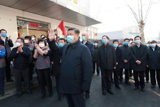 10일(현지시간) 코로나19가 발병한 후 처음으로 모습을 드러낸 시진핑 중국 국가주석/사진=로이터