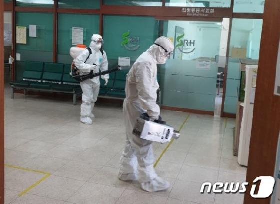 [사진] 서울재활병원 코로나19 방역작업