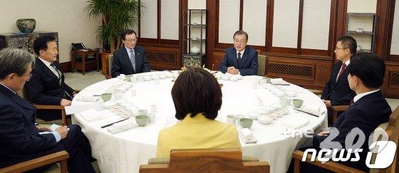 대통령과 만나는 여야 대표들의 '동상이몽'