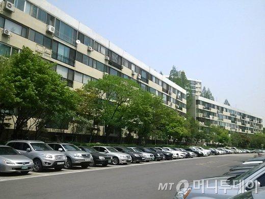 서울 강남구 압구정동 현대아파트 4차 전경 / 사진 = 이재윤 기자
