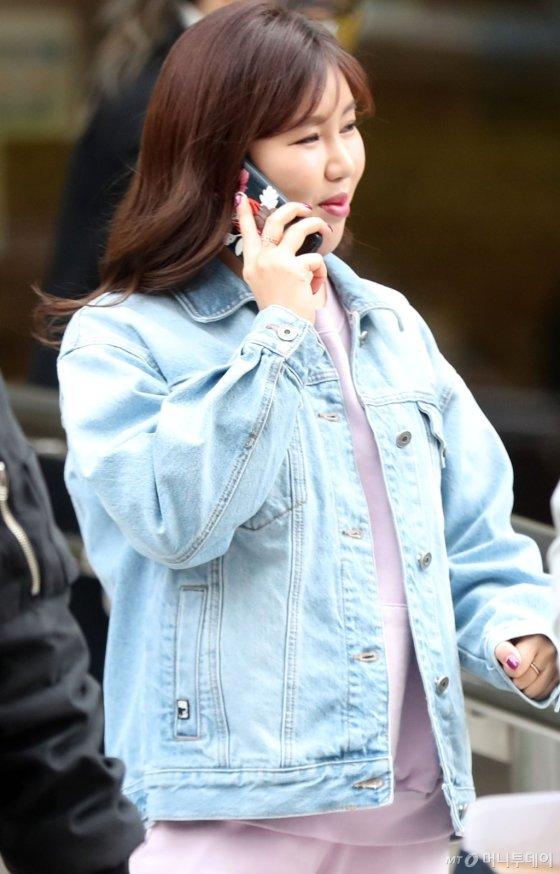 [사진]송가인 '지금은 통화중'