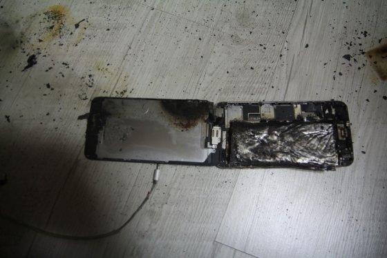 발화한 아이폰6S 플러스 /사진=인천 미추홀소방서