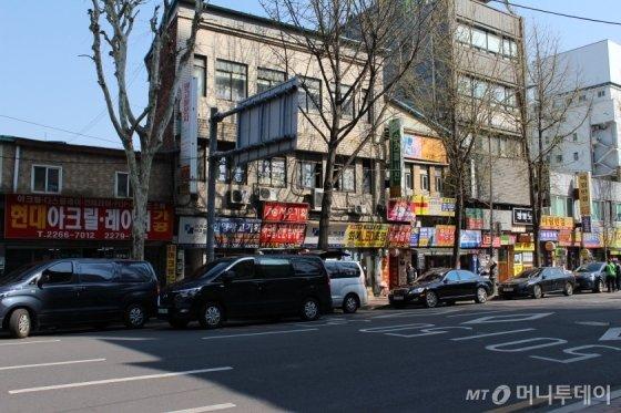 간판업체들이 밀집해 있는 서울 종로구 전경./사진=이재윤 기자
