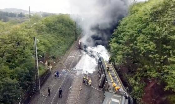 중국 후난성서 열차 탈선…