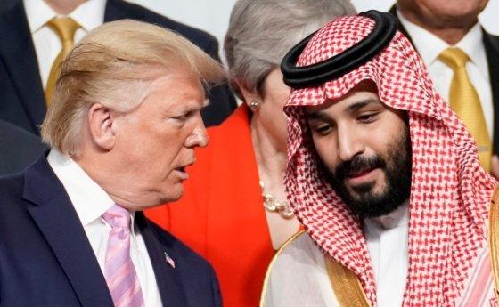지난해 6월 일본 오사카에서 열린 G20(주요20개국) 정상회의 때 대화하고 있는 도널드 트럼프 미국 대통령과 무함마드 빈 살만 사우디 왕세자. /사진=로이터통신