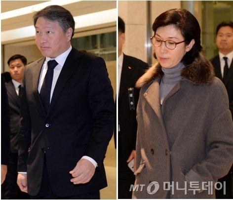 최태원 SK회장과 노소영 아트센터 나비 관장(사진 오른쪽) / 사진=뉴스1