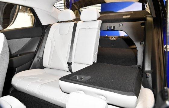 현대차 '올 뉴 아반떼' 뒷좌석. /사진제공=현대차