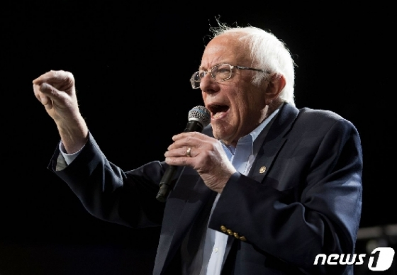 [사진] 美 민주 대선 경선 하차한 버니 샌더스