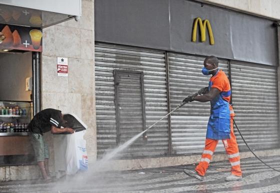 코로나 맹렬했던 3월, 맥도날드 세계 매출 22%↓