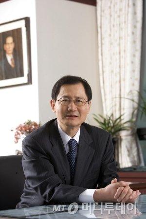 박찬구 금호석유화학그룹 회장
