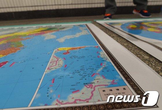 남중국해 일대가 포함된 중국 지도(자료사진). © AFP=뉴스1