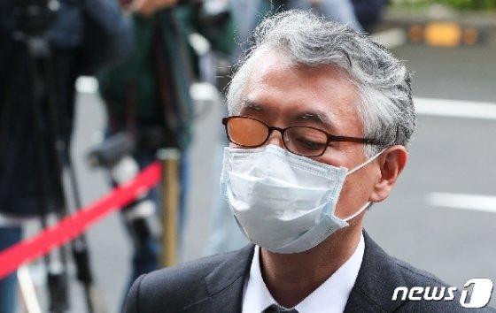 [사진] 문은상 신라젠 대표 구속 갈림길…무자본 지분인수 혐의