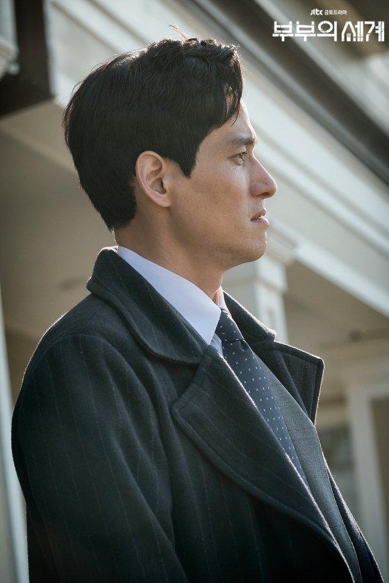 드라마 '부부의 세계'에서 남편 이태오 역의 박해준. /사진제공=JTBC