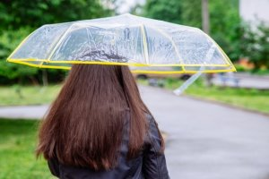 '비 올때 머리하면 안 된다'는 말 사실인가요?