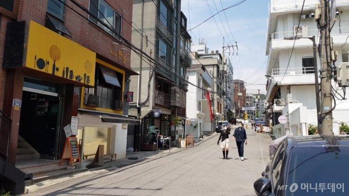 '나인원한남' 인근 한남동 카페거리 모습/사진= 박미주 기자