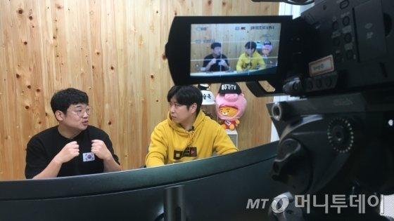 지난 19일 경기도 소재 참PD의 스튜디오에서 진행된 인터뷰 / 사진=김지성 기자