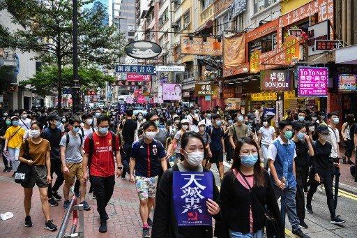 24일 홍콩 국가보안법에 반대하는 홍콩 민주화 시위대가 거리 행진하고 있는 모습/사진=AFP