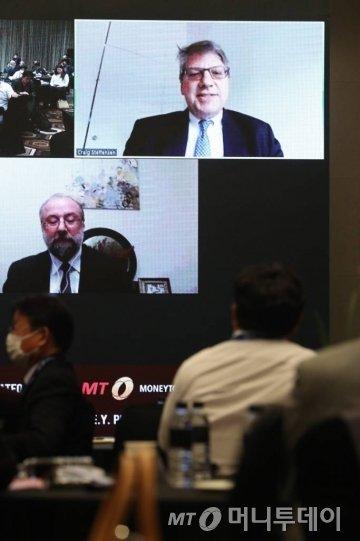 크레이크 스테펜센 ADB 북미대표부 대표가 28일 여의도 콘래드 서울에서 열린 머니투데이 주최 '2020 키플랫폼' 특별세션 '한반도 인프라의 미래'에서 '대북 협력과 한반도의 지정학적 경제 가치'에 대해 영상 토론을 하고 있다. /사진=이기범 기자
