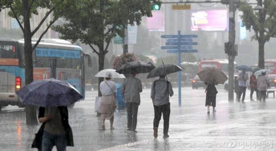 [내일 날씨]중부 내륙 오후 소나기…낮 30도 이상 무더위