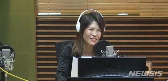 [서울=뉴시스] MBC 표준FM 라디오 '정선희, 문천식의 지금은 라디오 시대(지라시)'에 2일 배우 황석정이 출연했다.