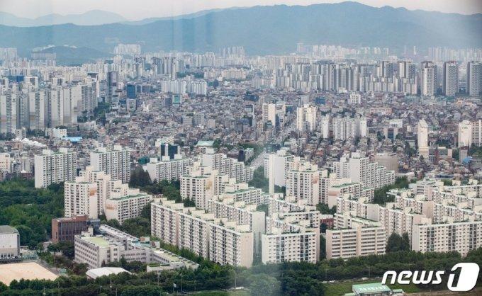 서울 강남권 아파트 단지 전경. /사진제공=뉴스1