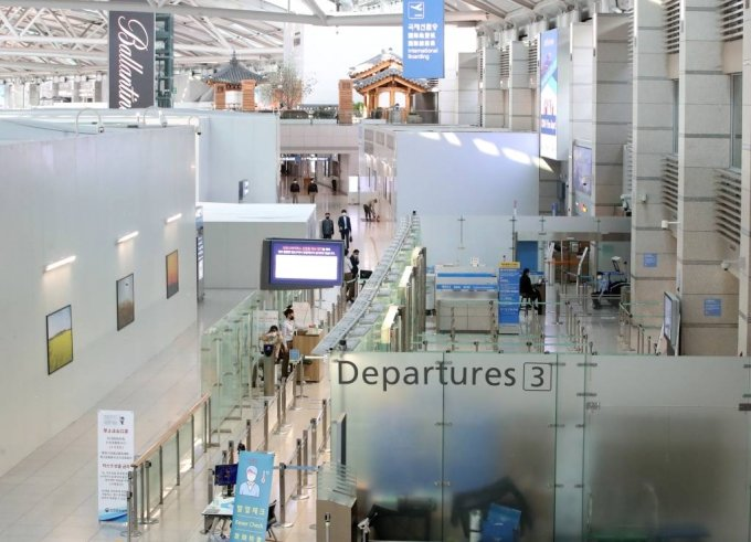 인천국제공항 제1여객터미널 출국장이 한산한 모습을 보이고 있다. /사진=뉴시스