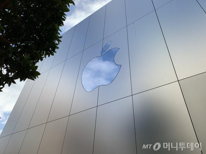 미국 샌프란시스코에 위치한 애플 유니언 스퀘어 매장 / 사진=박효주