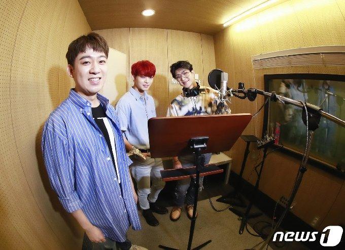 황현 프로듀서(왼쪽부터), 온앤오프 효진, 와이엇 © News1 권현진 기자