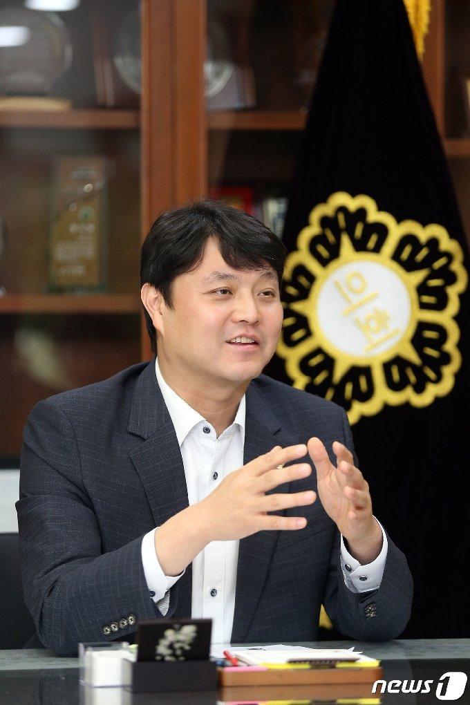 조석환 경기 수원시의회 의장. © 뉴스1