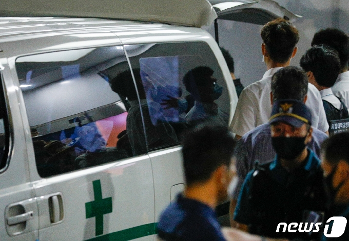 [사진] 박원순 시장 시신, 서울대병원 운구