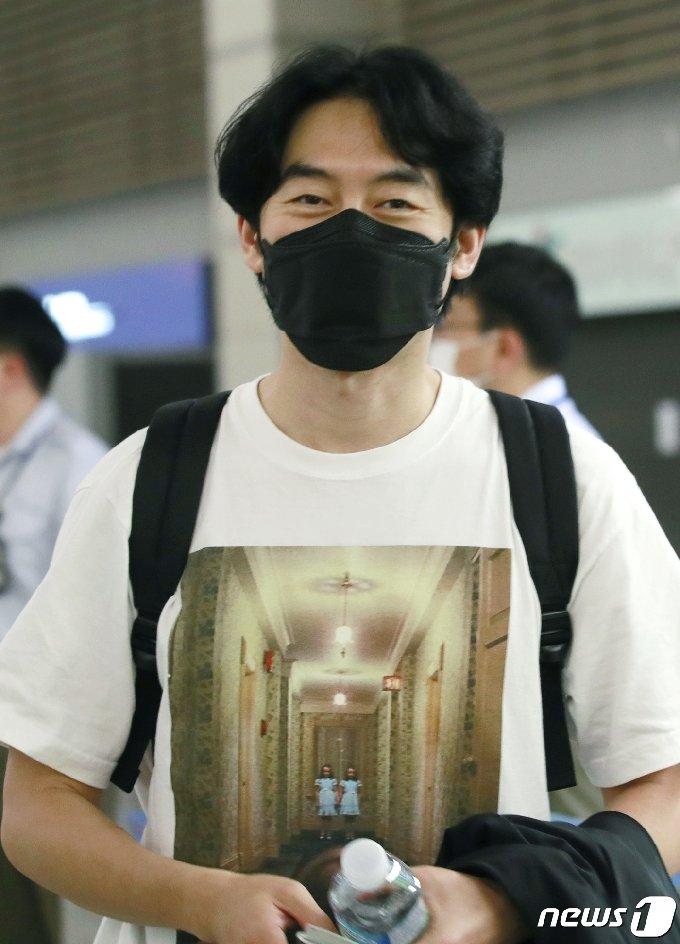 [사진] 박형수, 옅은 미소 남기고 '요르단'으로