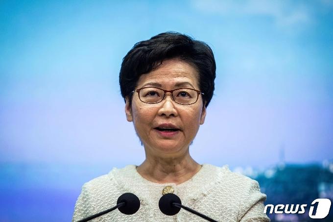 홍콩, 코로나 3차 유행 우려에 모임 제한 등 규제 강화