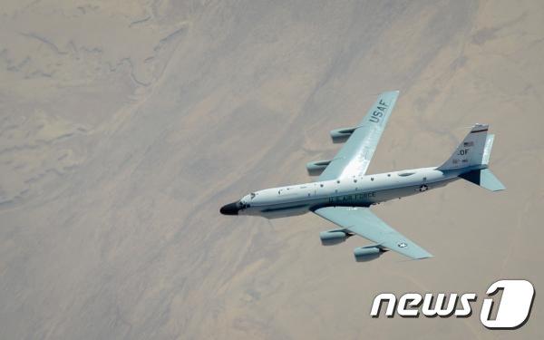 미 공군 정찰기 리벳 조인트(RC-135W)의 모습. (미 공군 제공) /뉴스1