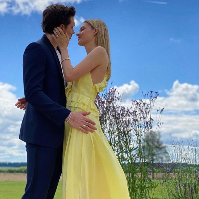 '브루클린♥' 니콜라 펠츠의 약혼 드레스…시어머니 작품?