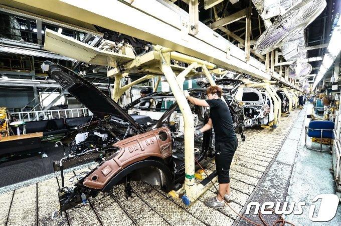 현대자동차  울산공장 생산라인. © News1