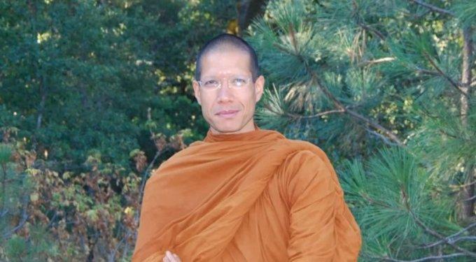 6조원에 달하는 막대한 재산을 포기하고 승려의 삶을 택한 벤 아잔 시리파뇨. /사진=유튜브 채널 Abhayagirl Buddhist Monastery