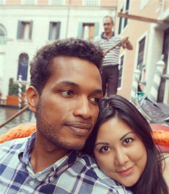 안젤린 프란시스 쿠와 남편 주디디아 프랜시스. /사진=유튜브 채널 Suda Suda