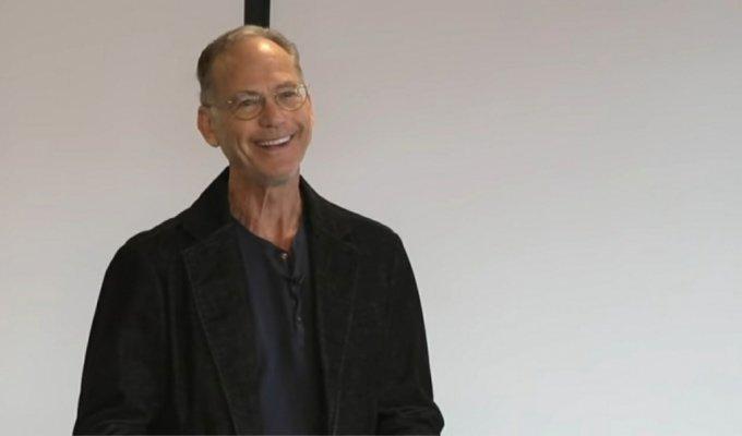 존 라빈스가 자신의 저서 '육식의 불편한 진실'에 대해 강연을 하는 모습. /사진=유튜브 채널 Talks at Google