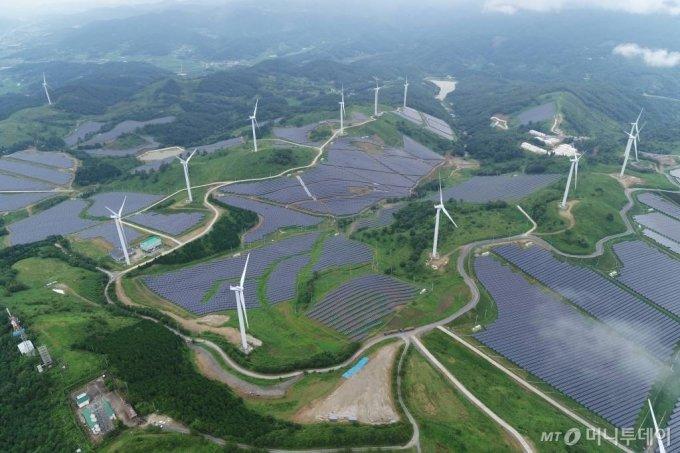 LS ELECTRIC이 구축한 국내 최대 94MW급 영암태양광발전소 전경. / 사진제공=LS ELECTRIC